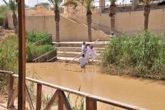 Taufen auf der israelischen Seite des Jordan